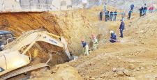 Sultangazi'de toprak kayması: 1 ölü